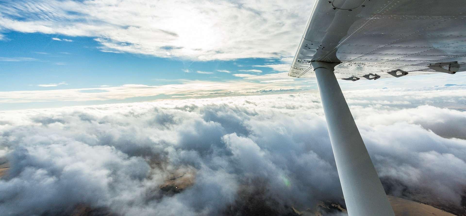 book flights to flinders island