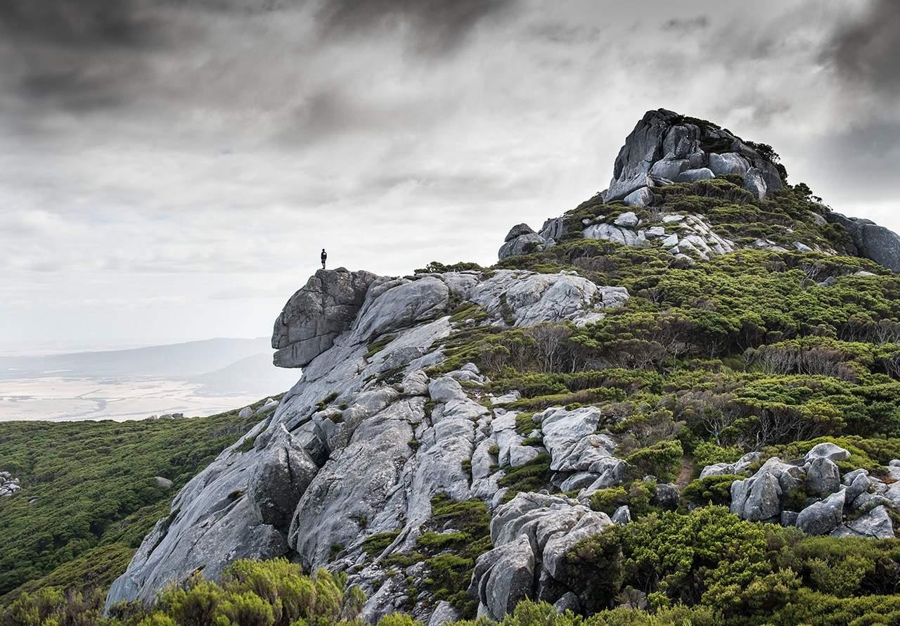 rugged flinders islands mountains